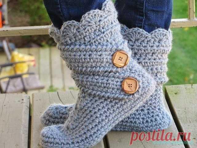 Симпатичные носочки связанные крючком