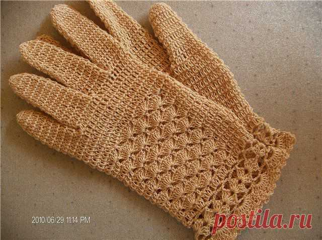 The master - a class of openwork gloves a hook around