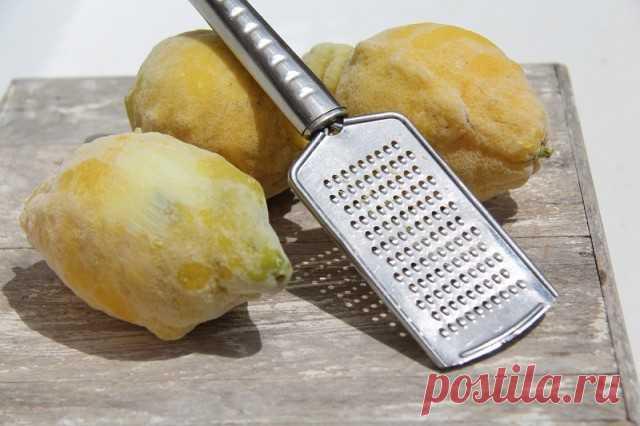 Заморозьте лимон и натирайте на терке для салатов и напитков — Полезные советы