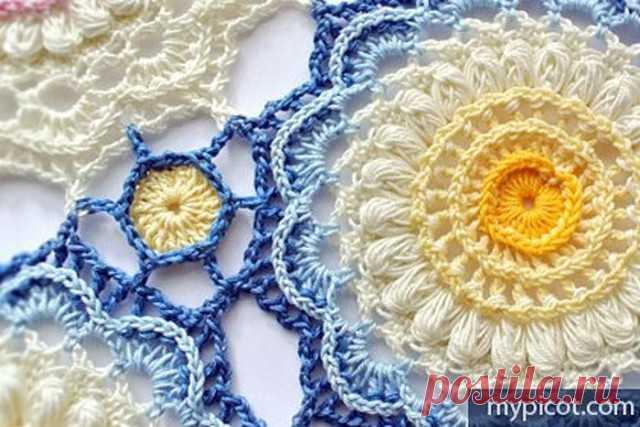 Цветочный мотив крючком, который отлично подойдет для вязания салфеток и пледов. Схема и небольшой мастеркласс