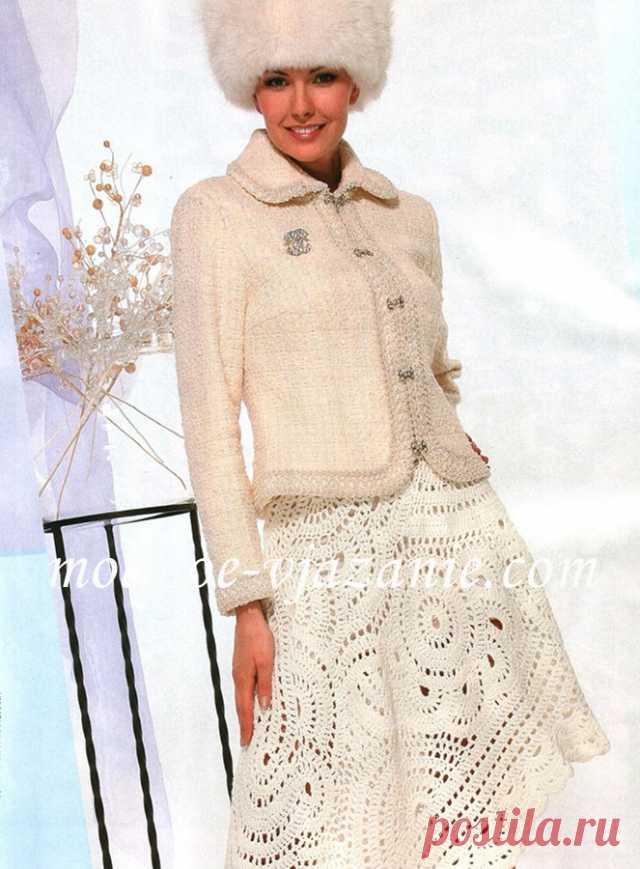 пуловер ажурными кругами в технике фриформ свободное вязание