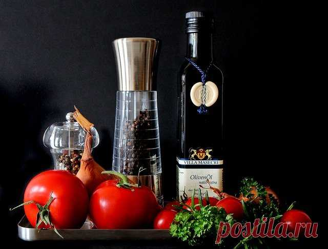 Растительные масла - 7 самых полезных для здоровья - Мужской журнал JK Men's Растительное масло - это жир, но чрезвычайно полезный. Самое ценное в растительных маслах - мононенасыщенные жирные кислоты. Они снижают