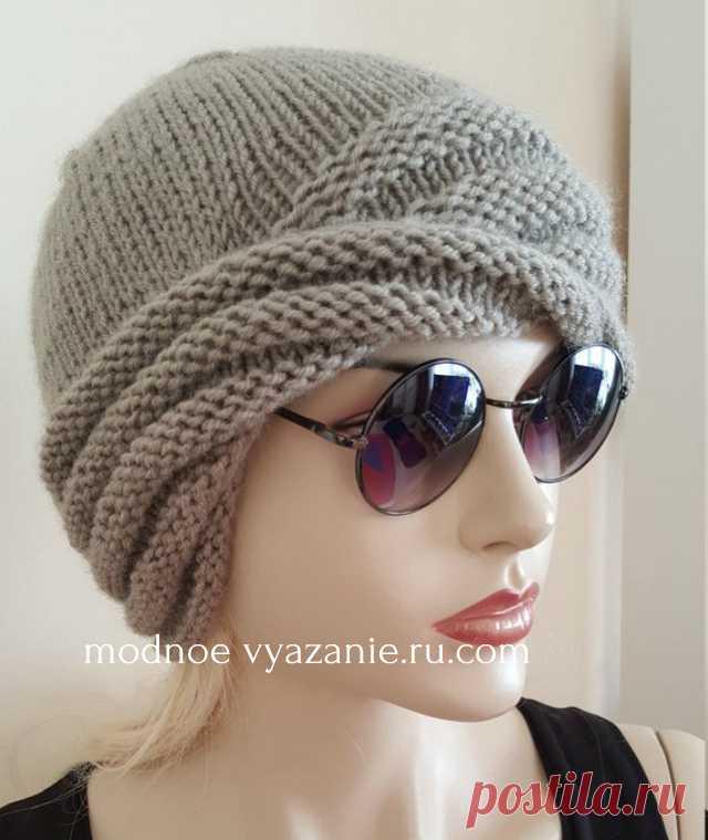 Вязаная спицами перекрученная шапка от Wiliams Cloche - Klubok.ru.com