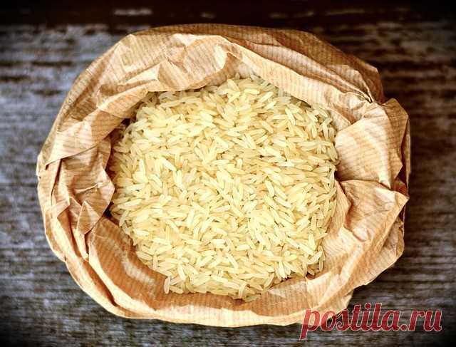 Интересные факты о рисе, о которых не знают - Мужской журнал JK Men's В настоящее время рис занимает стабильное место в строю гарниров в нашей стране. Понятно, что его используют и как основное блюдо, и в выпечках, и в кашах, и в суши.