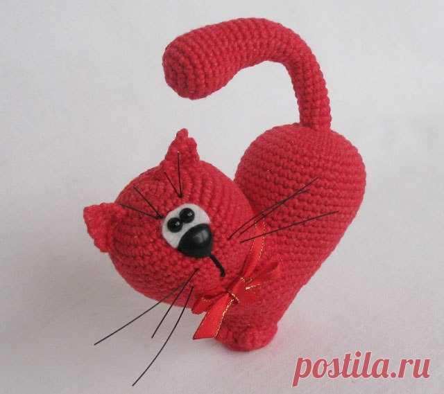 Сердце - Кот. Схемы и описания для вязания игрушек крючком!