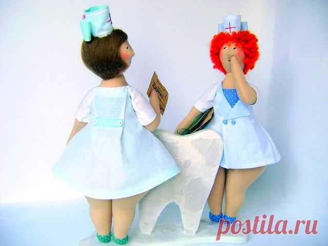 Как сшить куклу-врача своими руками Интерьерная кукла врач – хороший сувенир для взрослого человека, который связан с лечебной деятельностью. Мастер-классы.