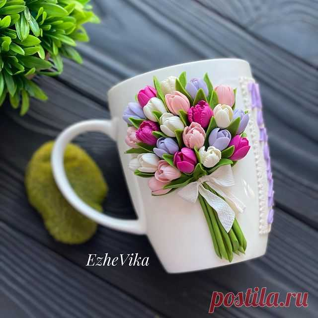 Photo by Посуда с декором ручной работы on April 06, 2021. May be an image of prairie gentian and text that says 'EzheVika'.