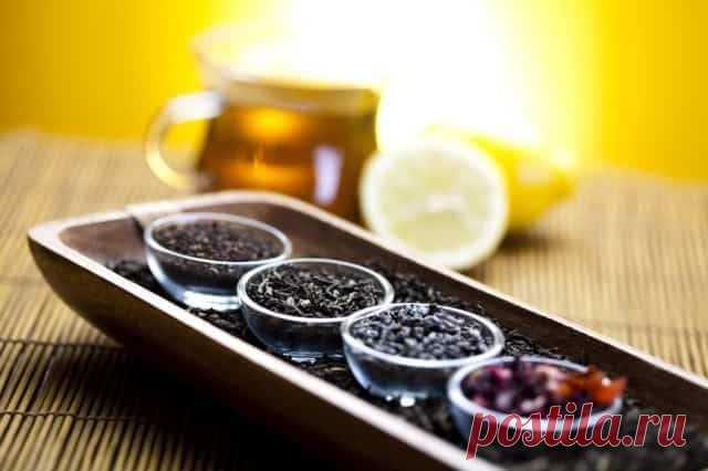 Топ Лучших Сортов Чая Для Нормализации Давления Черный чай содержит в своем составе большое количество разнообразных химических элементов, которые оказывают непосредственное влияние на тонус кровеносных сосудов. Среди них следует выделить такие соединения, как танины, катехины (дубильные кислоты группы фенолов) и теин (чайный кофеин). Они обладают способностью уменьшать просвет сосудистых стенок, что вызывает увеличение частоты сердечных сокращений и, как следствие, поднятие показателей АД.