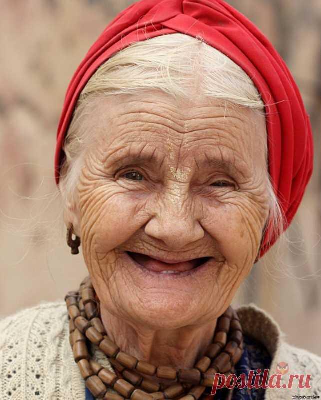 Работающие жизненные хитрости наших прабабушек Работающие жизненные хитрости наших прабабушекЭти маленькие житейские хитрости поражают своей простотой, граничащей с гениальностью! Если тебе понравились предложенные советы, непременно поделись ими со своими друзьями.Как разделить застрявшие стаканыЕсли вложенные друг в друга стаканы...