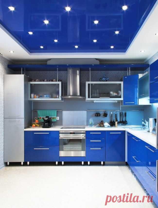Натяжные потолки в интерьере кухни   Роскошь и уют