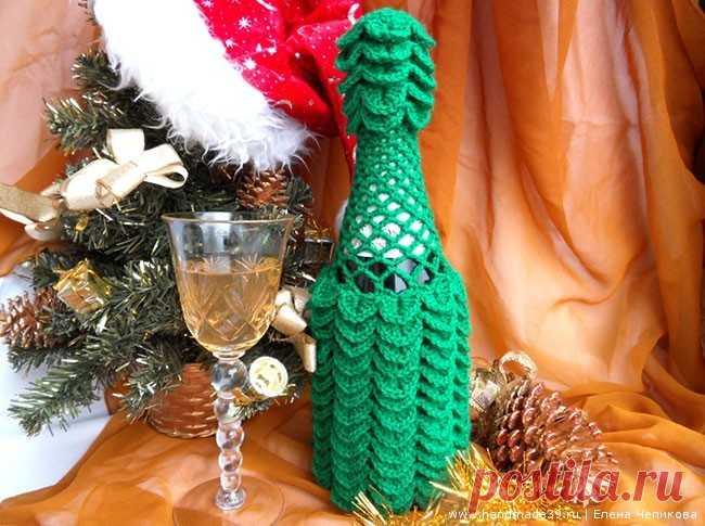 Вязаный чехол на бутылку Новогоднее шампанское – HandMade39.ru Вязанный крючком чехол на бутылку Новогоднее Шампанское - мастер-класс. Филейная сетка. Вязка