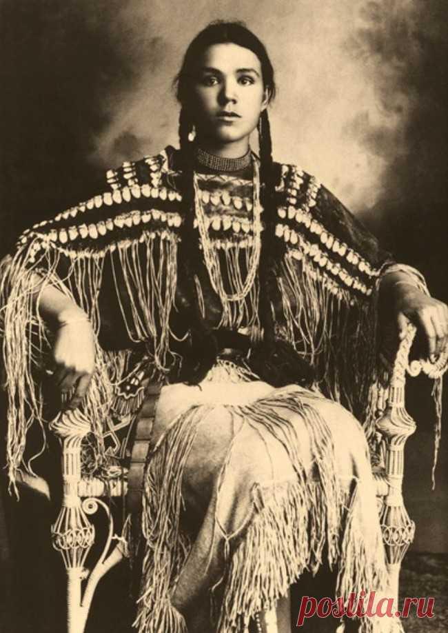 32 впечатляющих исторических фото из частных коллекций | Болтай Индианка из племени Шайеннов, Оклахома, 1890-1904 - ну чем не хохлушка?