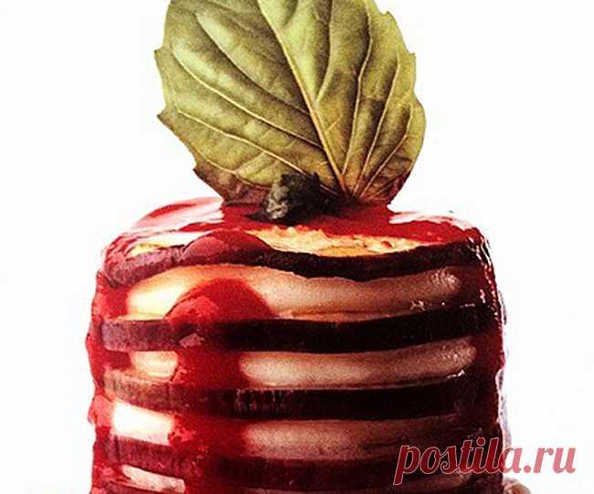 Баклажаны с моцареллой   Цикл - Интересные рецепты от ВСЁВСЁ.РУ  ------------ ИНГРЕДИЕНТЫ НА 6 ПОРЦИИ  Баклажаны - 400 г  Томатная паста - 300 г  Сыр моцарелла - 200 г  Сыр пармезан - по вкусу  Измельченные листья базилика - ¼ стакана  Оливковое масло extra virgin - по вкусу  Соль - по вкусу  И все это приготовлено в посуде из интернет магазина ВСЁВСЁ.РУ  https://www.vsevse.ru/catalog/dishes/stolovaya-posuda/   #интересные_рецепты #посуда #блюда #рецепты #техника #салат