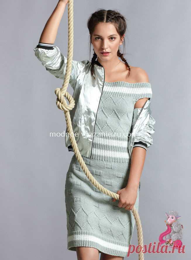 Платье с открытыми плечами Несложные рельефные узоры, подчеркнутые линии декольте, пояса и низа платья и благородный серый цвет — залог успеха этого стильного платья. ОПИСАНИЕ ПО ССЫЛКЕ