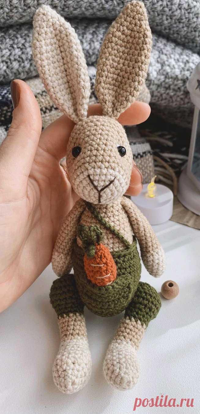 PDF Кролик Стив крючком. FREE crochet pattern; Аmigurumi animal patterns. Амигуруми схемы и описания на русском. Вязаные игрушки и поделки своими руками #amimore - заяц, зайчик, кролик, зайчонок, зайка, крольчонок.