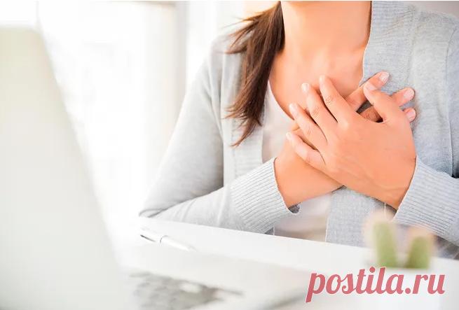 Опасные причины боли в груди Первое, о чем мы думаем, почувствовав боль в области груди, это сердце. Но причиной могут быть многие другие заболевания, не менее опасные и требующие немедленного реагирования.