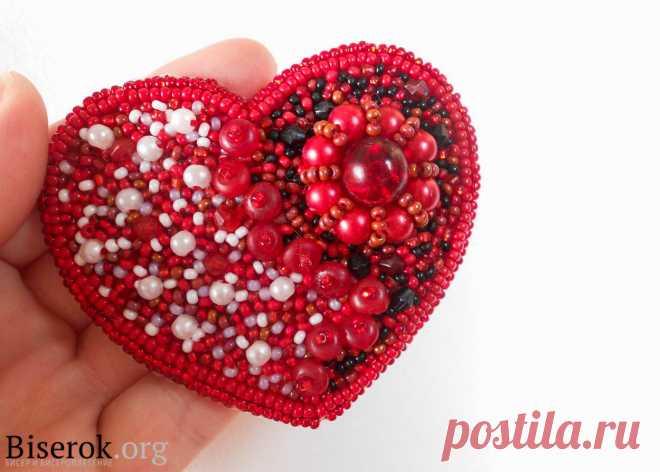 Брошь-валентинка Брошь из бисера, Валентинки из бисера – Бисерок Красное сердце из бисера, вышивка своими руками. Украшение в честь святого Валентина.