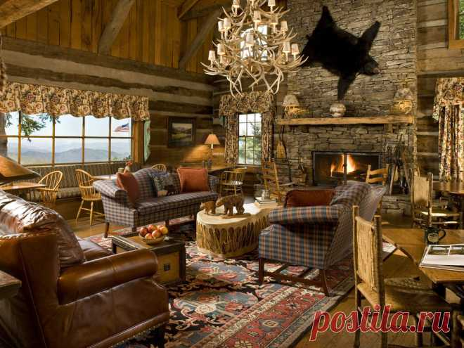 Необыкновенно уютные и стильные гостиные с интерьером в деревенском стиле Гостиная в деревенском стиле гарантирует комфортную атмосферу, благоприятную для полноценного отдыха. В этом стиле несколько направлений, а которых можно найти вариант для квартиры и загородного дома.