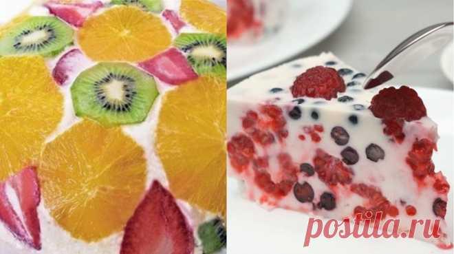 La torta zheleynyy con las frutas