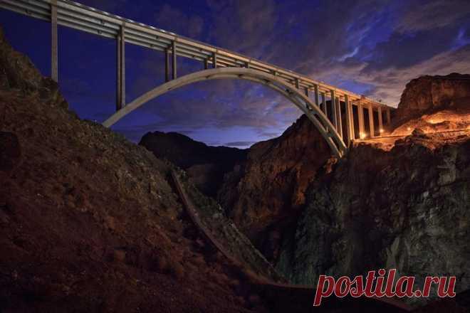 «Мемориальный мост Майка О'Каллагана — Пэта Тиллмана (Аризона и Невада, США)» — карточка пользователя Алёна Ростунцова в Яндекс.Коллекциях
