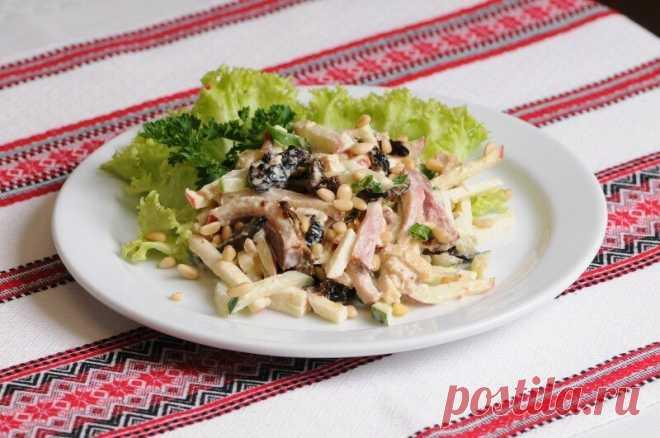 Салат с черносливом и ветчиной — Sloosh – кулинарные рецепты