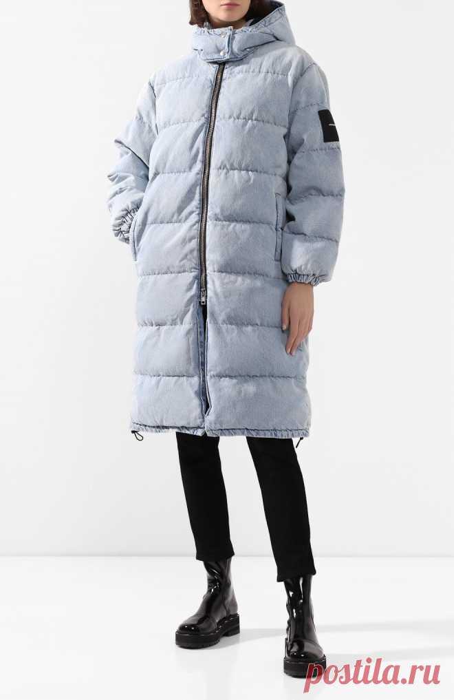Женский голубой пуховик DENIM X ALEXANDER WANG — купить за 71600 руб. в интернет-магазине ЦУМ, арт. 4DC1202628