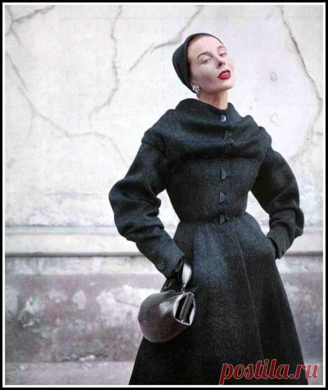 Bettina, photo by Pottier, 1952
