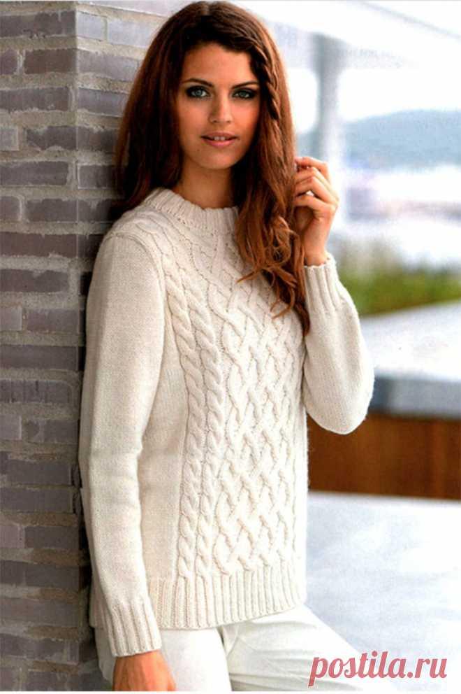 Белый джемпер с рельефными узорами (Вязание спицами) – Журнал Вдохновение Рукодельницы