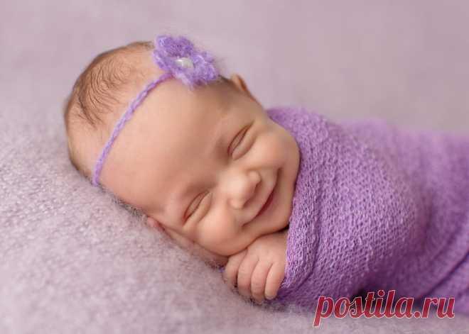 Фотограф, который ловит улыбки спящих младенцев Фото, способные растопить самое холодное сердце.