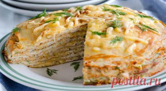 Блинный торт с курицей и грибами: пошаговый рецепт Нежная начинка из курицы с ароматом грибов, никого не оставит равнодушным. Такой торт, без сомнения, может украсить любой праздничный стол.      Ингредиенты:  Для блинов:   молоко — 500 мл  мука пшеничная — 100 гр  яйцо куриное — 2 шт  масло растительное — 2 ст. ложки  соль — по