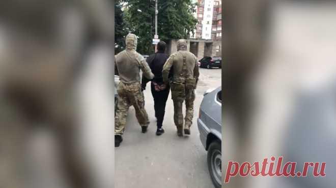 Tochka Zрения | СК совместно с ФСБ задержал 5 членов террористической организации 15.00, МоскваTochka Zрения Как сообщает СК, 29 июля, в ходе совместной спецоперации с ФСБ по Республике Калмыкия, было задержано 5 участников террористической организации. По сообщению СК…