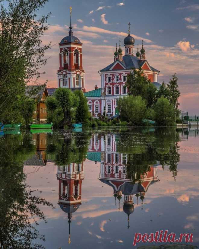 ༺🌸༻Церковь Сорока мучеников в устье реки Трубеж. Переславль-Залесский.