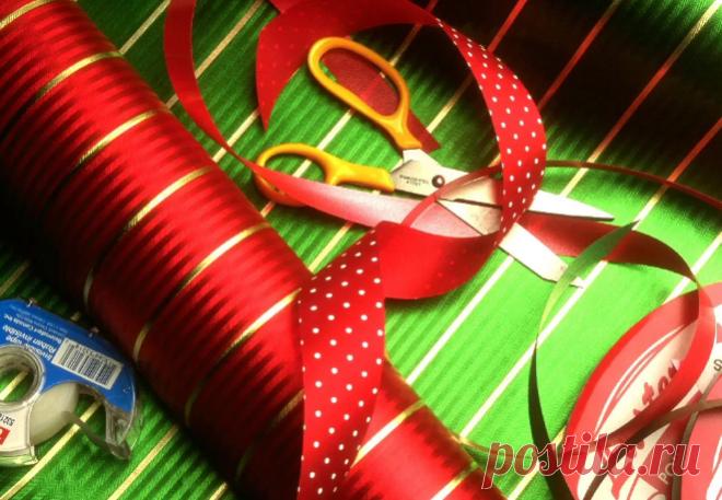 Как красиво оформить подарок на Новый год 2019: в коробке (фото)