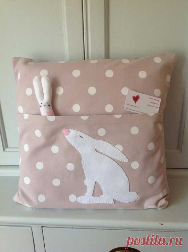 www.facebook.com/Lovesewing | Cojines - Pillow 2