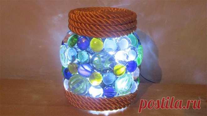 Оригинальный декор из стеклянных камешек
