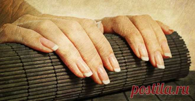 How quickly to grow nails, tapping with their friend about the friend and polishing