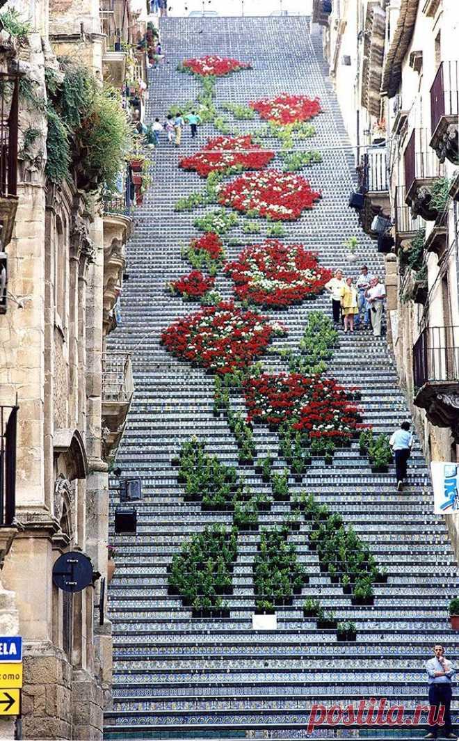 Коллекция интересных и необычных лестницы со всего мира