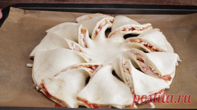 Да да это бутерброд! Мало того, что он такой оригинальный, еще и какой вкусный    Супер оригинальный бутерброд великолепно будет смотреться на праздничном столе. Его восхитительный вкус не оставят равнодушным          Каждому из нас хорошо известно, что ни один праздничный стол …