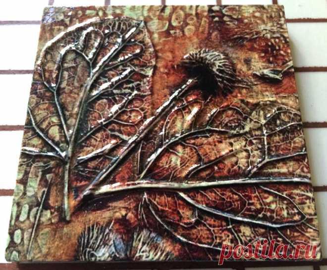 плитка Ботаника, плитка керамическая ручной работы, плитка авторская, плитка декоративная, декор плиткой, декор на стены, декор стен, декор мебели, изображение насекомых на плитке керамической, богомол на плитке, богомол | Плитка ручной работы Ботаника. | Постила