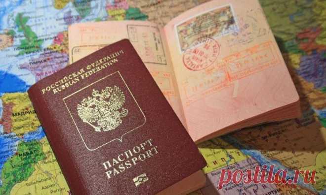 Как оформить загранпаспорт? Этот вопрос интересует россиян, которые хотят начать путешествовать. Заграничный паспорт является обязательным документом для поездок в другие государства. В России можно получить классический бумажный документ или биометрический загранпаспорт нового образца.  Выдается загранпаспорт на 5 и 10 лет соответственно. Потребность в оформление паспортов в стане стабильно высокая, так что очередей практически нельзя.  Или все-таки можно? В материале мы расскажем, куда...