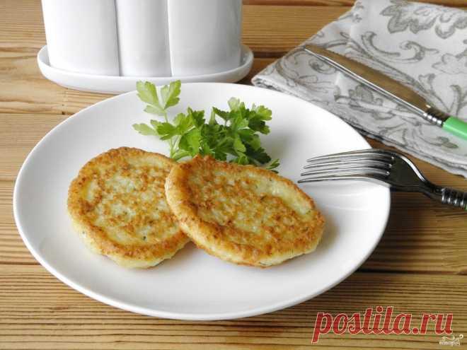Картофельные оладьи  источник Лучшие рецепты Повара  Картофельные оладьиОчень удобно использовать стационарный блендер для приготовления такого картофельного