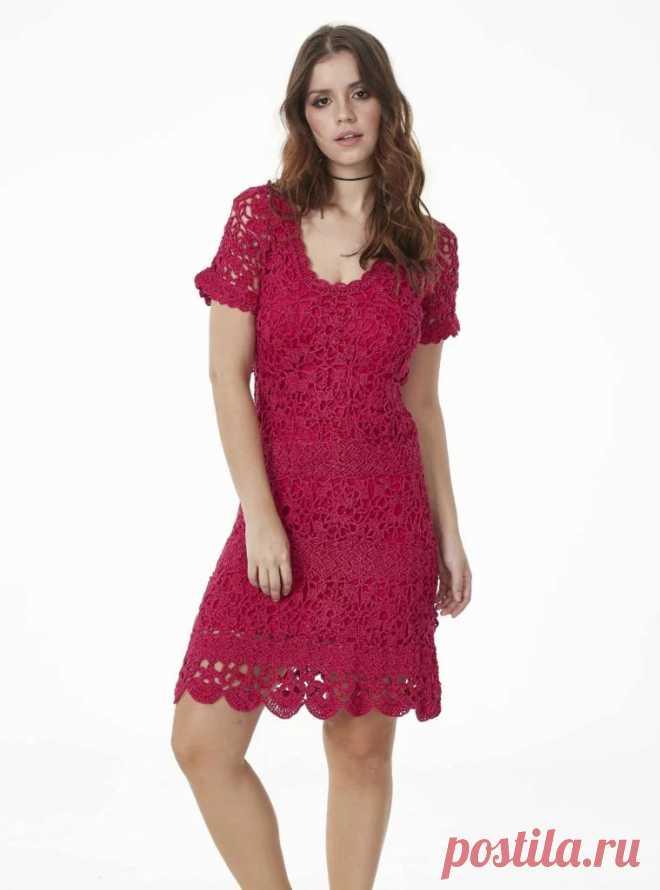 Короткое платье крючком с мотивами