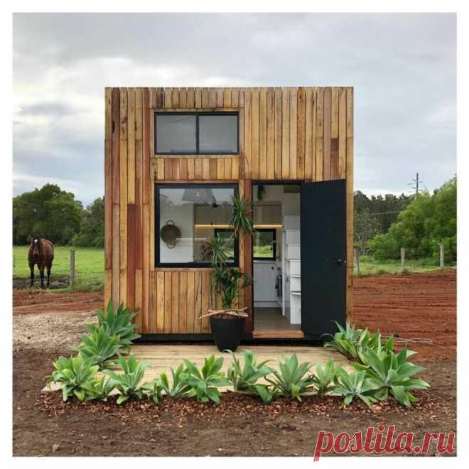 Дом размером 3,5м х3,5м х3,5м, трудно поверить, но в нем есть все: кухня, спальня, гостиная и сан.узел | угол зрения | Яндекс Дзен