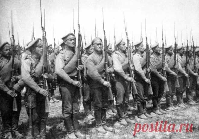 Противник на войне – один из главных учителей. За всю историю нашей страны русские участвовали в сотнях войн. И каждый раз иноземный противник чему-то учил наших воинов.