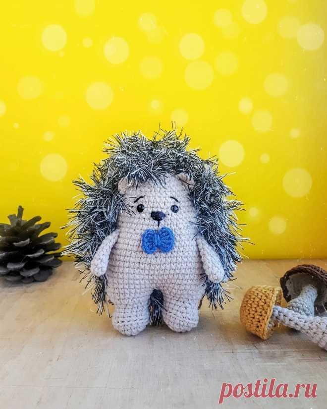 PDF Ёжик крючком. FREE crochet pattern; Аmigurumi animal patterns. Амигуруми схемы и описания на русском. Вязаные игрушки и поделки своими руками #amimore - маленький ёжик, ёж, ежиха.