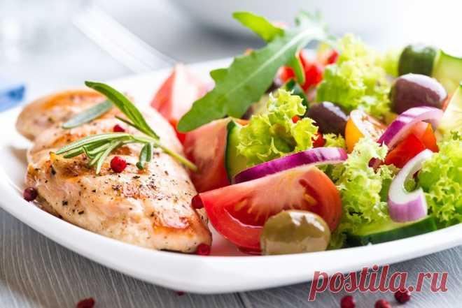 5 ужинов, которые не навредят фигуре Давно доказано, что ужин является важным приемом пищи и пропускать его нельзя, даже если вы на диете. При этом желательно, чтобы он был легким и в то же время сытным.