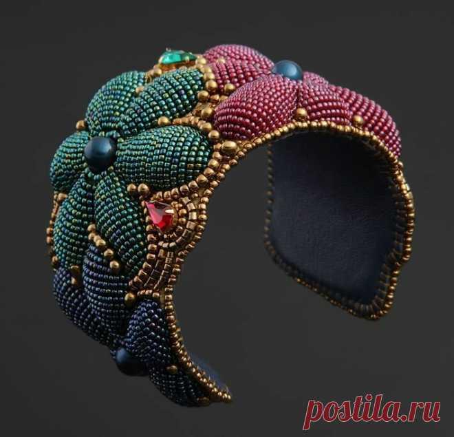 9 идей для создания идеального браслета, украшенного вышивкой   НЕСКУЧНАЯ ВЫШИВКА   Яндекс Дзен
