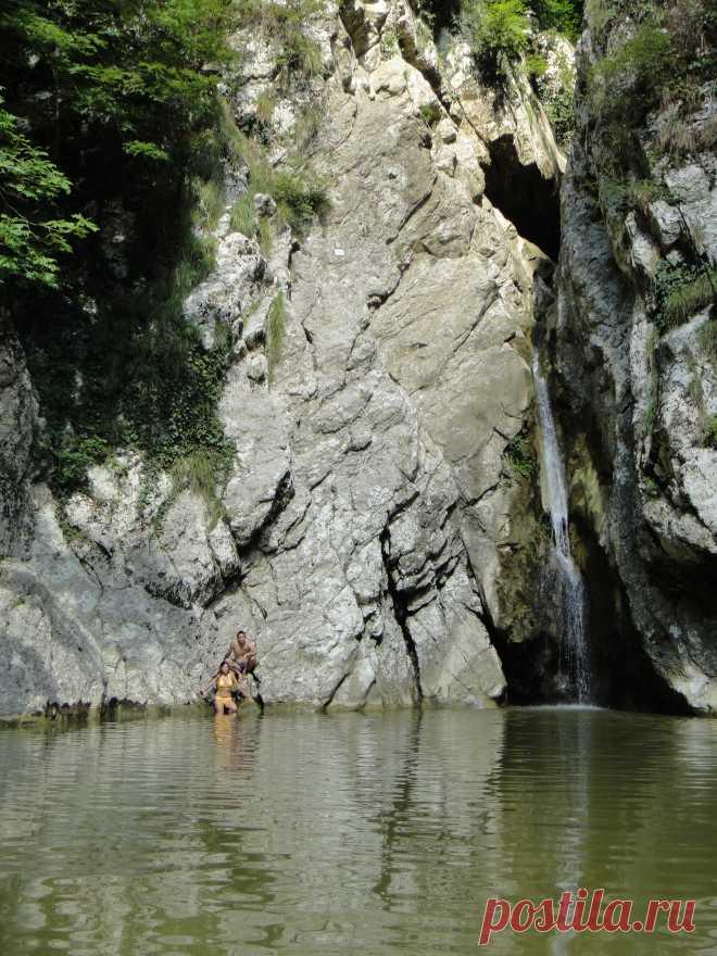 Agura Waterfall. Adler. 2012