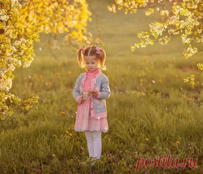 Ребенок кричит и капризничает: почему я считаю, что лучше всего успокоить малыша помогают «обнимашки» | Многомама | Яндекс Дзен