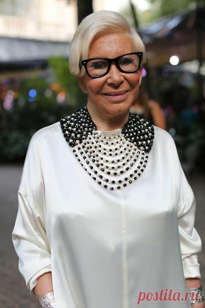 Как выбрать аксессуары, которые должна носить женщина в 60 лет? | Немного за 60 | Яндекс Дзен